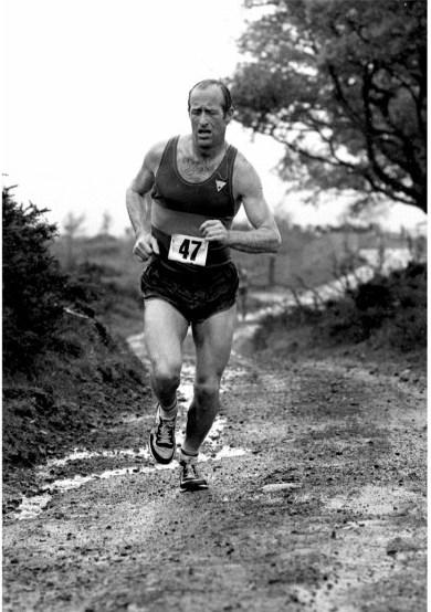B-Carty-D-fairweather-Cairnpapple-Vets-Hill-Race-1984
